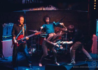 Rencontrés au sein d'une formation musicale avec laquelle ils tournaient dans toute la France et à l'internationale pendant plusieurs années, ils ont décidé de s'unir pour former « 4 No One », un groupe de reprise aux accents rock, pop et funk ou rhythm n' blues. A leur manière, ils réinventent les classiques : de Led Zeppelin au Beatles, en passant par Stevie Wonder, The Police, The Clashs, etc… Mais aussi quelques tubes du moment selon l'opportunité. Quatre voix, une basse, une batterie, une guitare, une formation standard pour quatre artistes délurés qui jouent de la musique comme si leurs vies en dépendait ! Vidéo